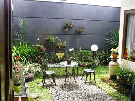 gambar taman mungil depan rumah terbaik