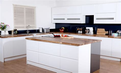 Sets For Kitchen by Hire A New Kitchen Set For Your Food Related And