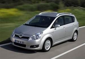 Toyota Corolla Verso 2006 : used toyota corolla verso cars for sale on auto trader uk ~ Medecine-chirurgie-esthetiques.com Avis de Voitures