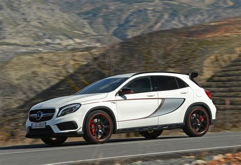 Review Mercedes Gla Class by Mercedes Gla Class Amg Review 2014 2017 Parkers