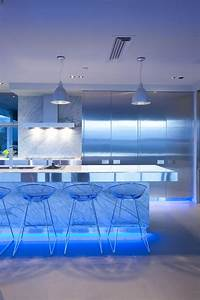 17 light filled modern kitchens by mal corboy for Cool home lighting
