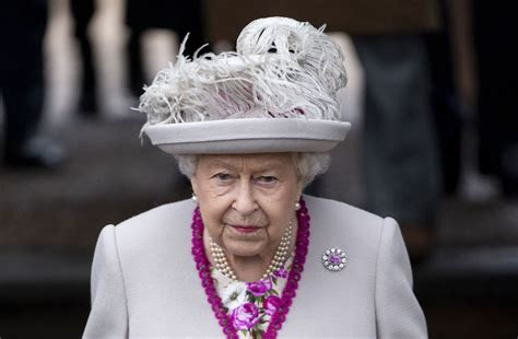 happen   throne  queen elizabeth dies