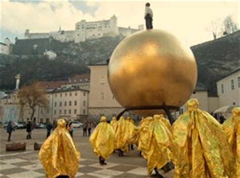 goldene burkas  salzburg gesellschaft derstandardat