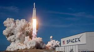 SpaceX wins accolades for Falcon Heavy success - SpaceNews.com