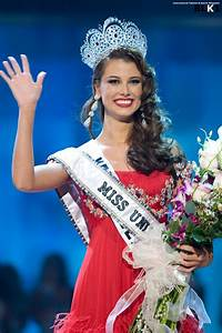 Stefania Fernandez, Miss Venezuela is the 2009 Miss ...