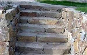 Kamenné schody na sucho