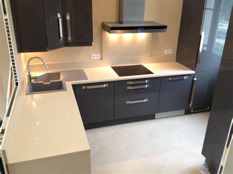 plan de travail cuisine en quartz plan de travail granit quartz table en mabre