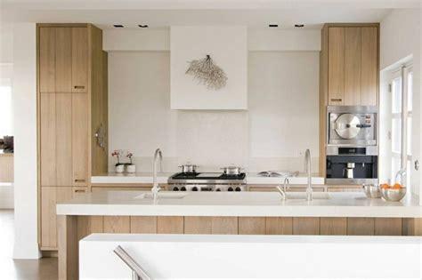 cuisine moderne bois clair mitigeur douchette le robinet de cuisine moderne par mgs
