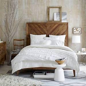 Tete De Lit Design : fabriquer une t te de lit en bois c 39 est simple et c 39 est chic ~ Teatrodelosmanantiales.com Idées de Décoration