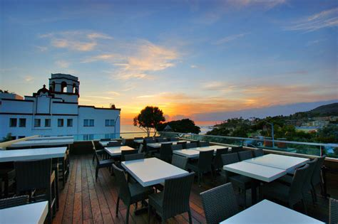 restaurants  incredible rooftop dining  southern
