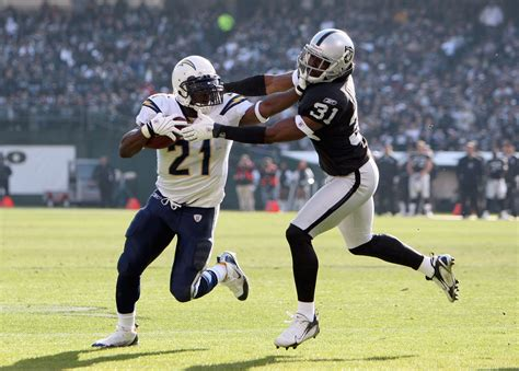 Los Angeles Chargers' Tomlinson Thinks Oakland Raiders Are