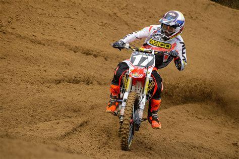 Honda Motocross Wallpaper by Dirt Bike Wheelie Wallpapers Top Free Dirt Bike Wheelie
