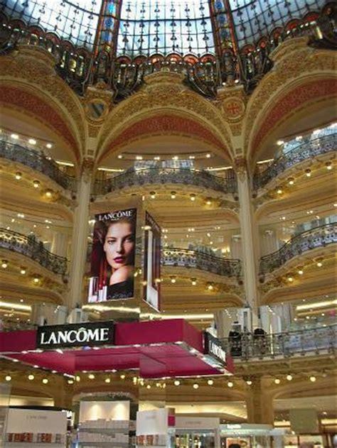 galeries lafayette siege galeries lafayette français