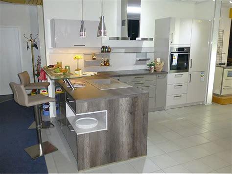 Schüllermusterküche Hochglanzlack Küche Mit Holzoptik