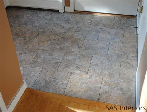 Groutable Vinyl Tile In Bathroom by How To Install Groutable Vinyl Floor Tile Hoh85 Hookin