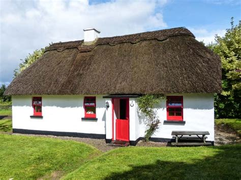 No 7 Tipperary Thatched Cottages Puckane County