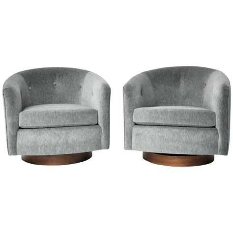 milo baughman swivel chair milo baughman swivel chairs at 1stdibs