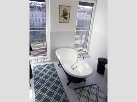 Kleine Bäder Mit Badewanne by Kleines Badezimmer Mit Der Freistehenden Badewanne Bradford
