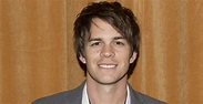 Johnny Simmons Biography – Facts, Childhood, Family Life ...