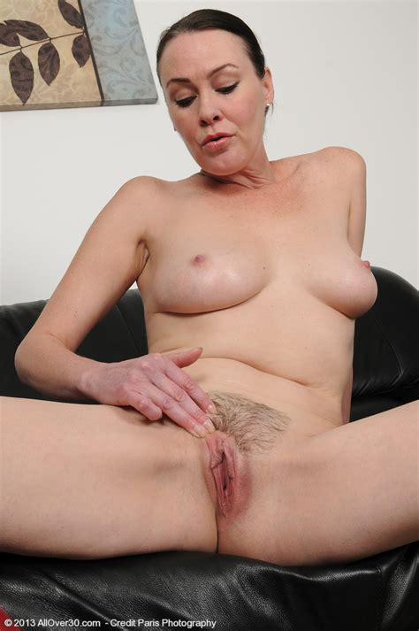 Wifey Veronica Snow Get Busy With Her Pussylips MILF Fox