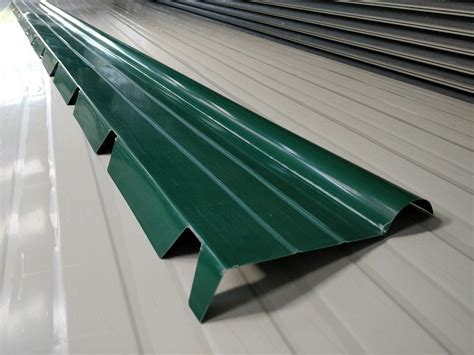lamiere per tettoie lamiere grecate per coperture tettoie verde muschio 200