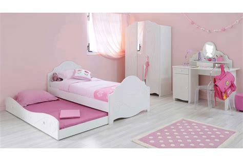 chambre à coucher simple magnifique chambre de fillette trendymobilier com
