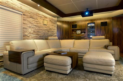 comfy home theatre  family room modern home theater
