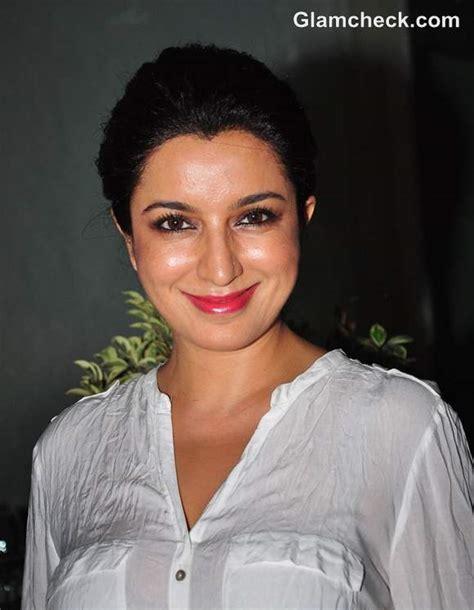 tisca chopra   launch  sanjay chopras book talespin