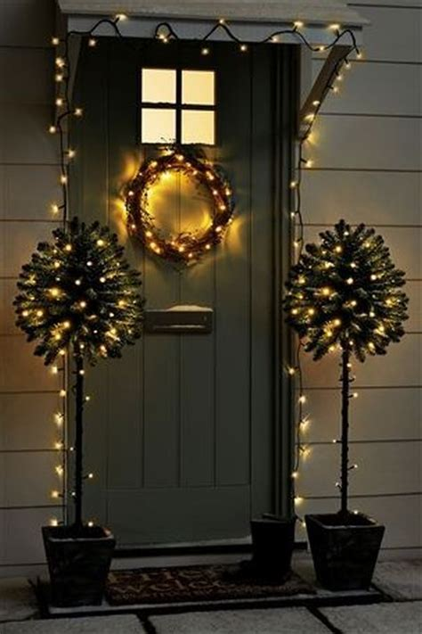 decorate  house  christmas lights