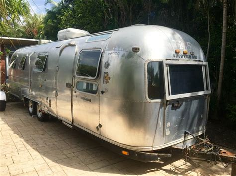 airstream sovereign ft travel trailer  sale