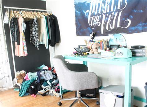 Bedroom Organization Makeover Ideas by Bedroom Organizing Ideas