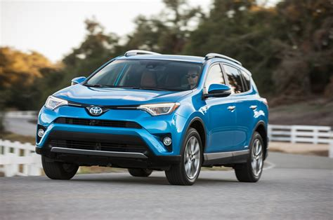 toyota ltd toyota rav4 reviews research new used models motor trend