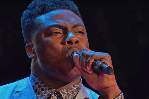kirk jay on the voice last night the voice singer gets four chair turn with rascal