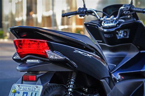Pcx 2018 Novidades by Honda Pcx 150 Chega Em Duas Vers 245 Es Para 2018