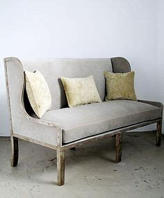 Settees For Small Spaces by 1000 Ideas About Upholstered Dining Bench On