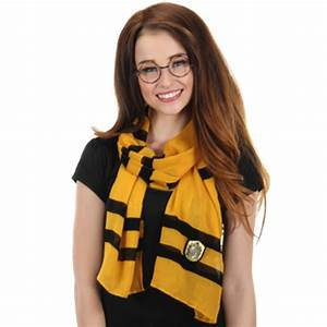 Hufflepuff Lightweight House Scarf from Harry Potter