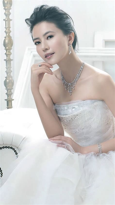 高圆圆唯美婚纱手机壁纸-明星-3g壁纸大全