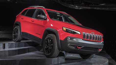 The 2019 Jeep Cherokee Has A New Refresh That Gives It A