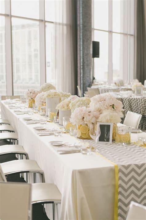 deco bapteme et gris d 233 coration de table de mariage en jaune et gris