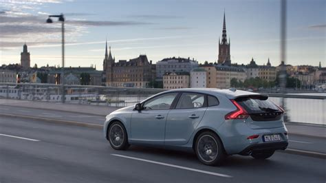 Volvo V40 Cross Country 4k Wallpapers by Volvo V40 2019 Wallpapers 4kwallpaper Org