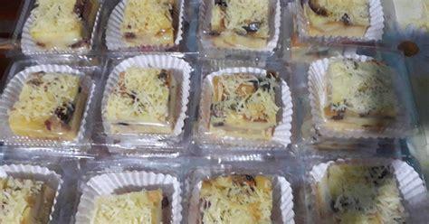 Tinggal ambil dua lembar roti tawar, oleskan selai atau margarin dan tambahkan meses. 21 resep puding roti pisang dan kurma enak dan sederhana ...