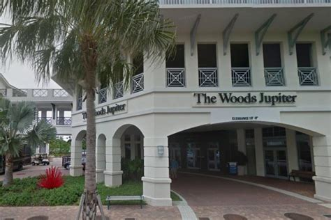 Tiger Woods' restaurant issued violations for not keeping ...