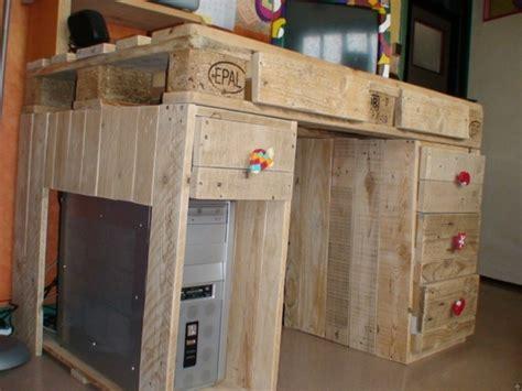 bureau palette bois meuble en palette de bois plan mzaol com