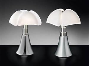 la lampe pipistrello de gae aulenti ou la chauve souris devenue lampe  design archi d co design 8987cc6234d1