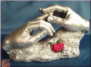 Hand Skulptur Selber Machen : geschenk d liebe skulptur hand mit ring silberfarben ennadesign ~ Frokenaadalensverden.com Haus und Dekorationen