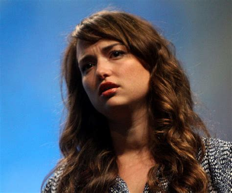 milana vayntrub biography milana vayntrub biography facts childhood family life