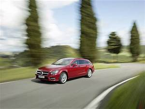 Cls 500 Shooting Brake : 2012 mercedes benz cls shooting brake cls 500 4matic red ~ Kayakingforconservation.com Haus und Dekorationen