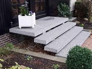Bodenbelag Balkon Wetterfest : steinteppich boden im aussenbereich auf terrasse treppe balkon ~ Sanjose-hotels-ca.com Haus und Dekorationen