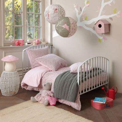 une chambre idée chambre fille décoration chambre adulte