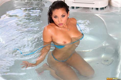 adriana luna naked bath fine hotties hot naked girls celebrities and hd porn videos